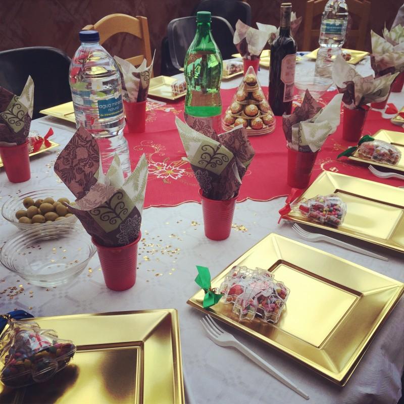 Come apparecchiare la tavola di natale in modo elegante ed economico vita in cammino la tela - Apparecchiare la tavola di natale 2014 ...