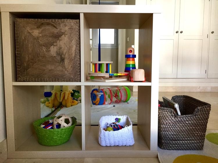 Los estantes de la habitaci n montessori de oliver - Camera montessori ...