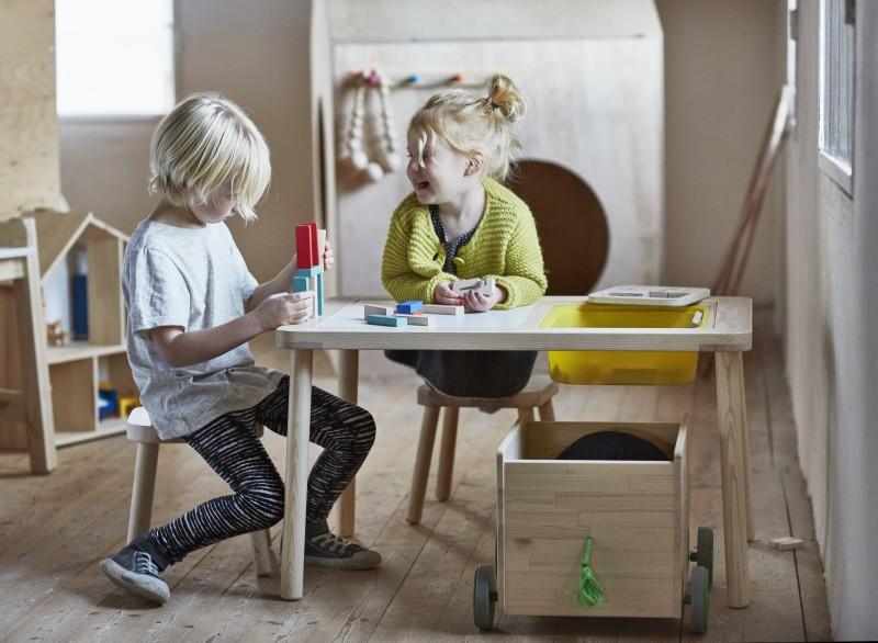 IKEA_FLISAT_barnskrivbord_leksaksforvaring_barnpall