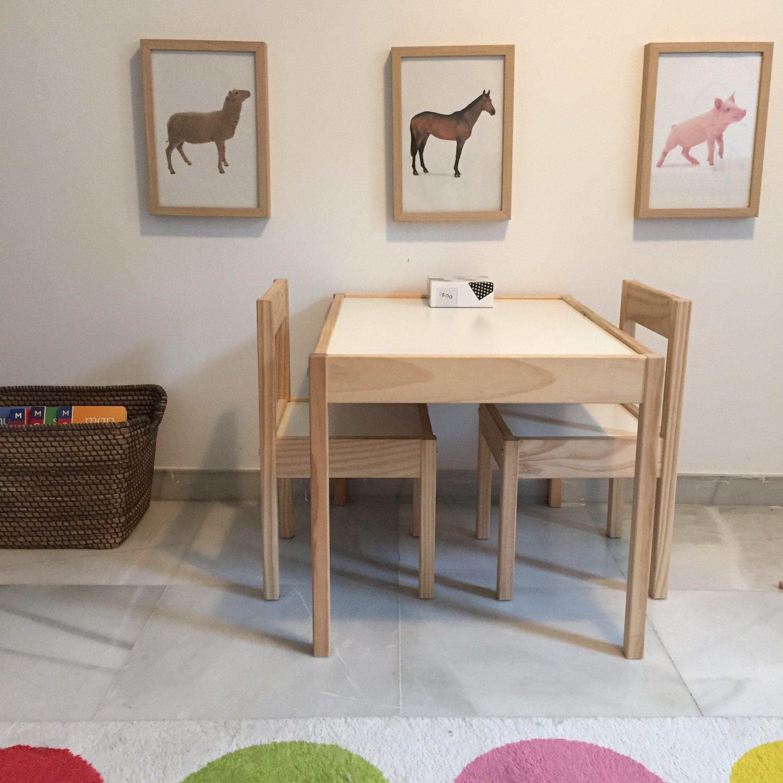 Cameretta montessori 12 18 mesi home tour montessori for Tavolino e sedia montessori