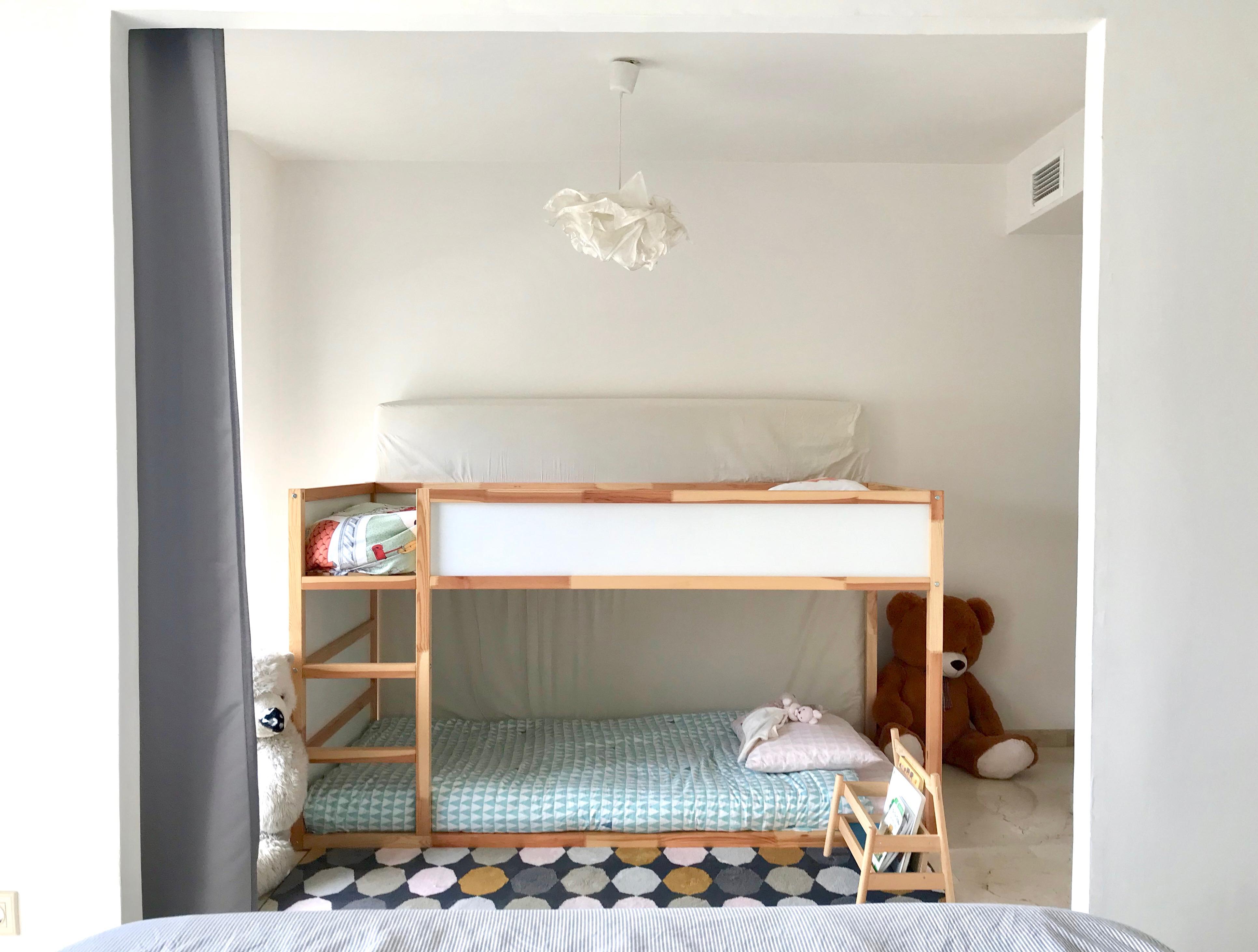 Home tour 2018 il nostro nuovo appartamento ispirato montessori montessori la tela di carlotta - Ikea letto montessori ...